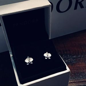 NWOT Authentic Pandora White Orchid Earrings